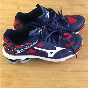 Mizuno wave lightning womens athletic shoes sz 6.5